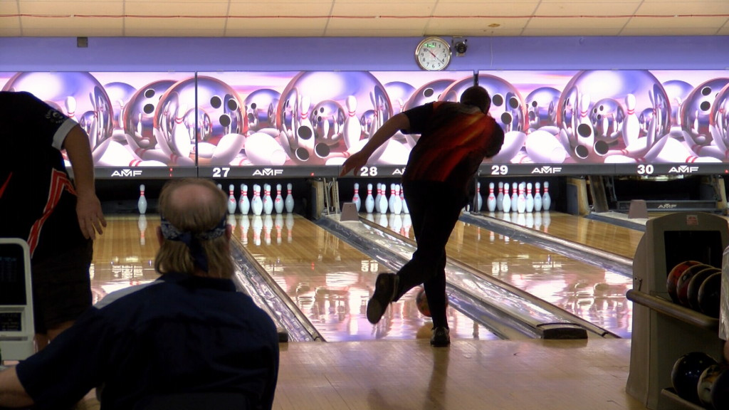 Bowlers compete for prize money