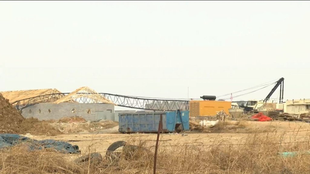 One person killed after crane collapse in Kansas