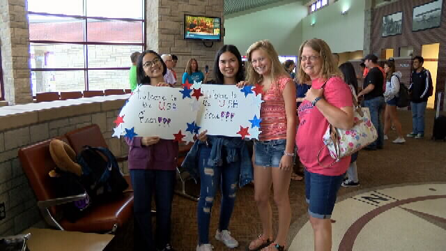 Foreign exchange students arrive at Joplin airport
