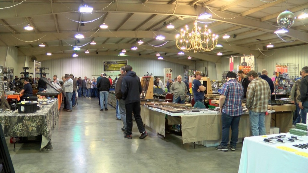 RK Gun show draws big crowd