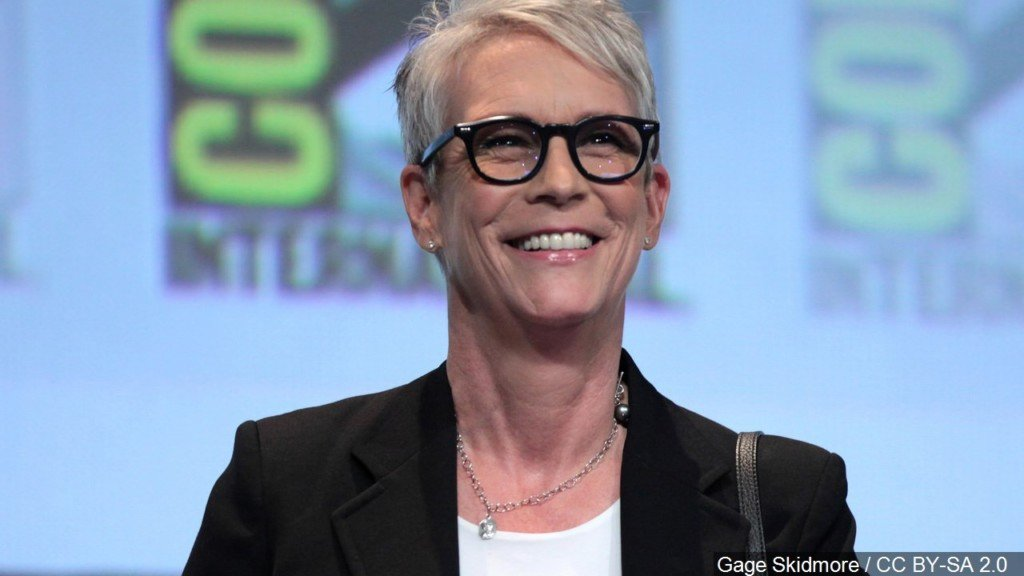Jamie Lee Curtis working to get stand-in LGBTQ mom onscreen
