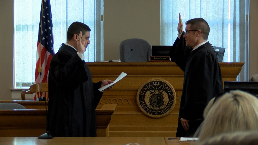 Elected officials sworn in at Carthage Courthouse
