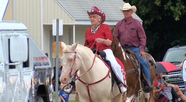 100 year-old 'Grammy' rides horse as Grand Marshall in Lamar Parade