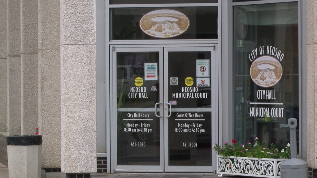 Citizens to decide on residency requirement for city manager