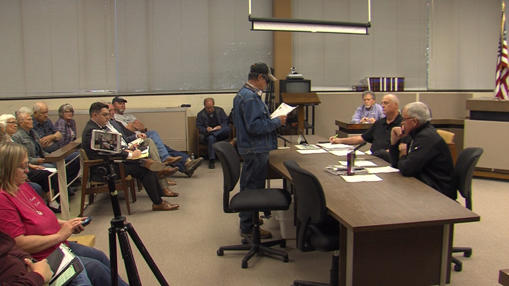 Mixed reaction in Neosho County, Kan as commission looks at wind farm
