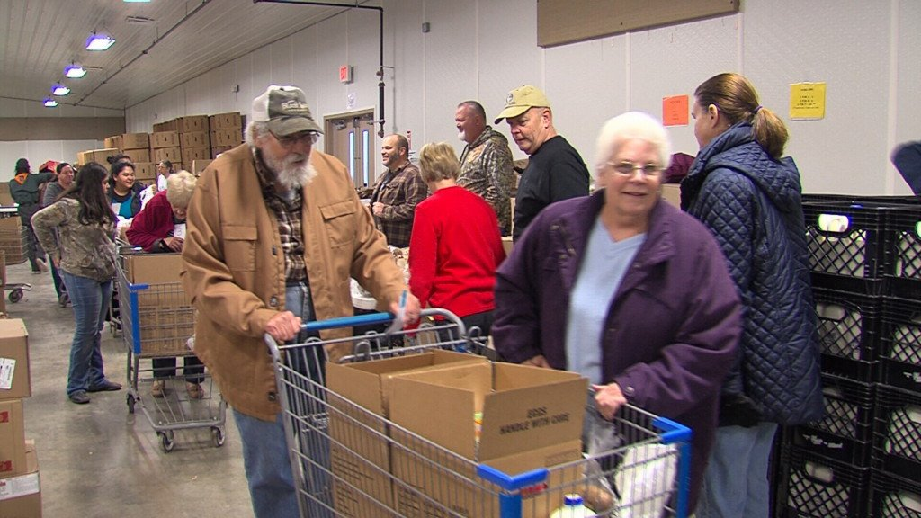 Distribution day for Newton County Food Basket Brigade