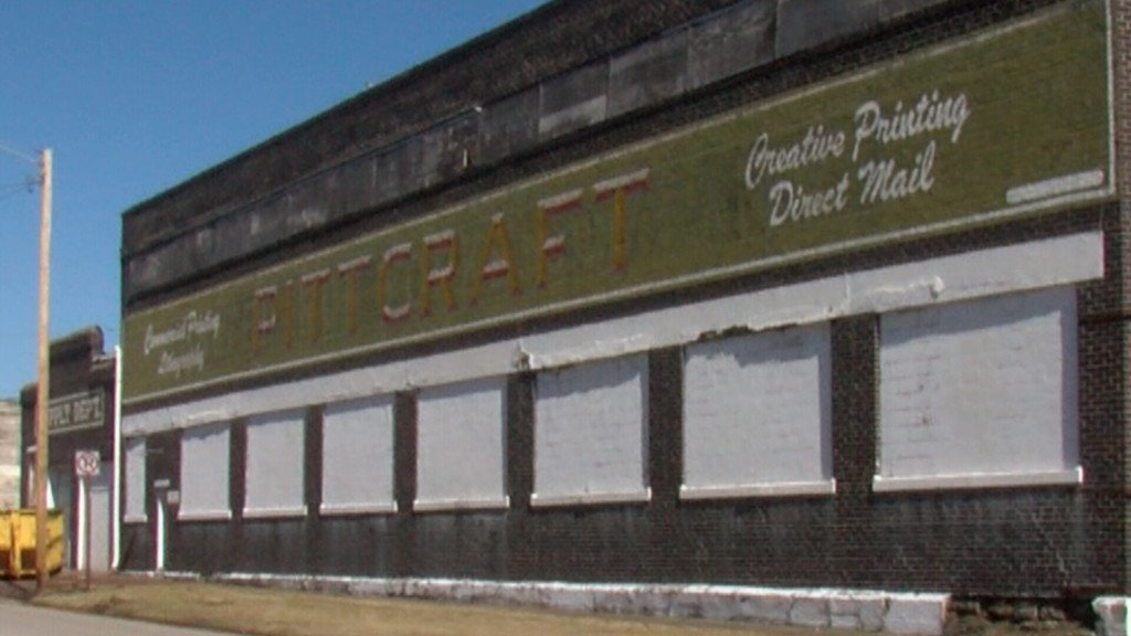 Pittcraft building to become family fun center