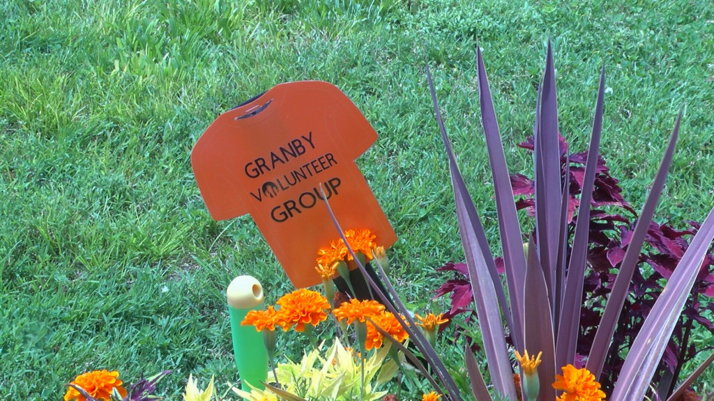 Granby Volunteer Group spruces up town, inspires trend