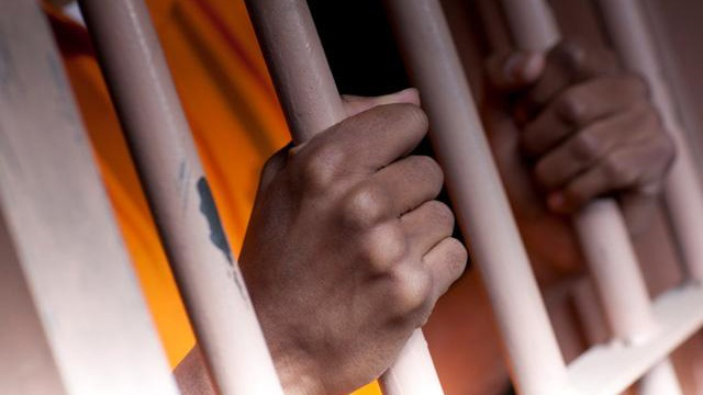Oklahoma bill seeks re-sentencing of some prison inmates