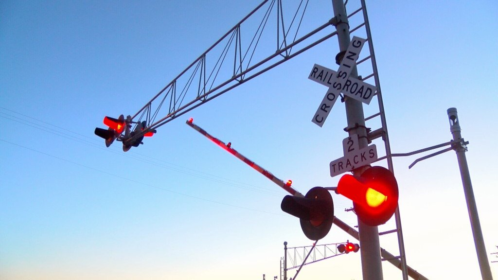 Trains blocking crossings in Kansas raise concern after law repealed