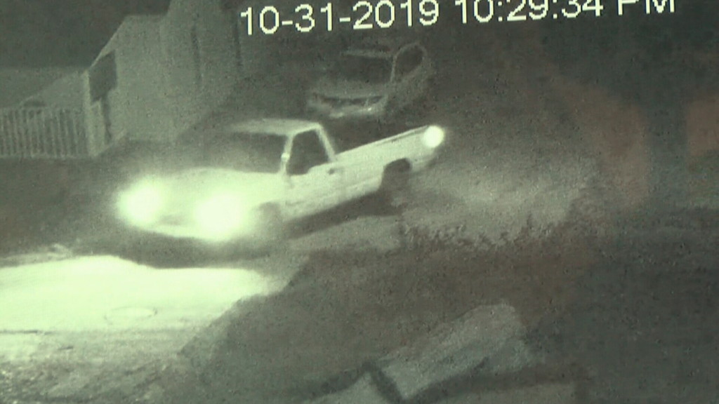Anderson police search for suspects responsible for vandalized vehicles