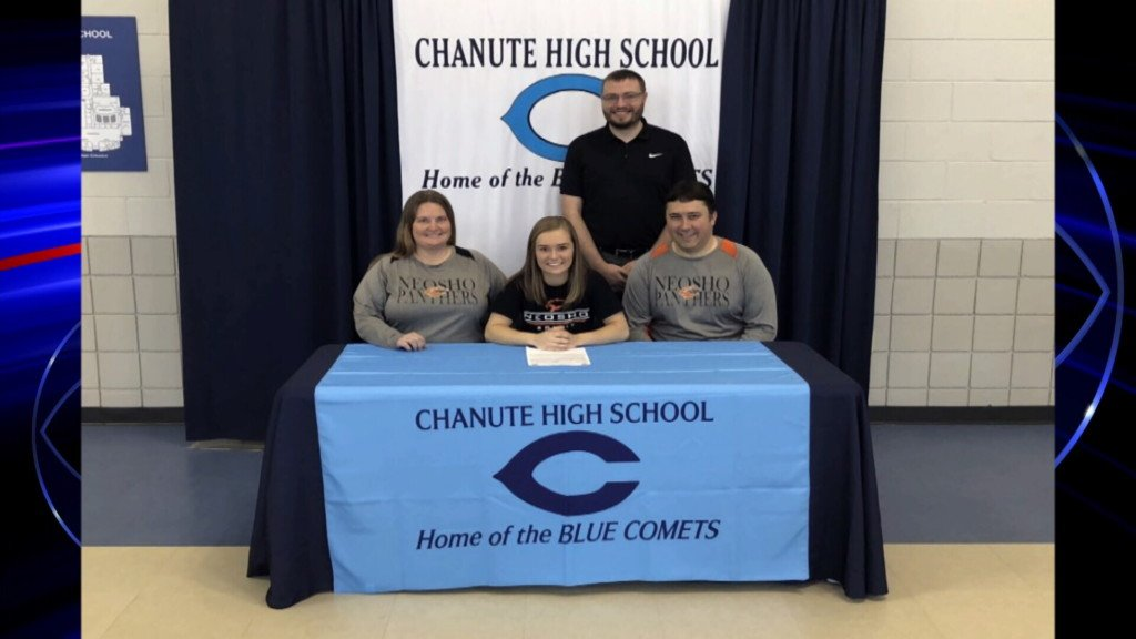 Shayla Bogle (Chanute HS) signs to Neosho County