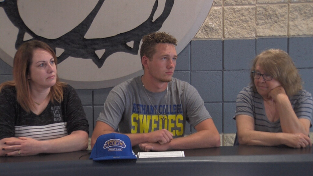 Galena's Booth signs with Bethany football