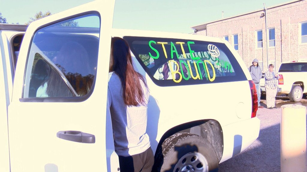 Chetopa heads to state volleyball