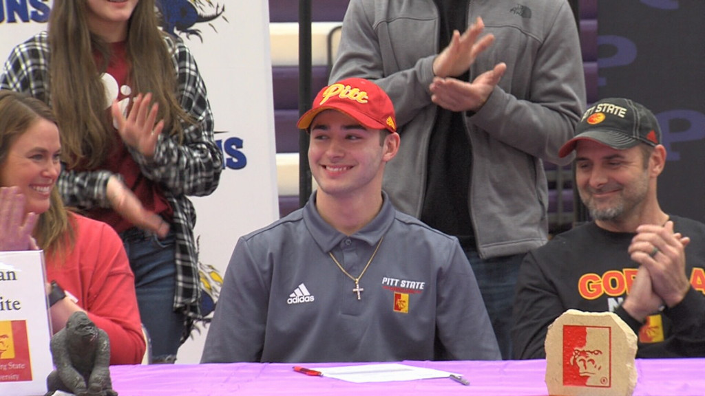 Pittsburg's Dylan White signs to Pitt State football