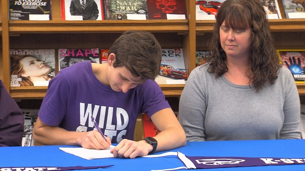 Yates Center's Splechter signs to Kansas State Track/Cross Country