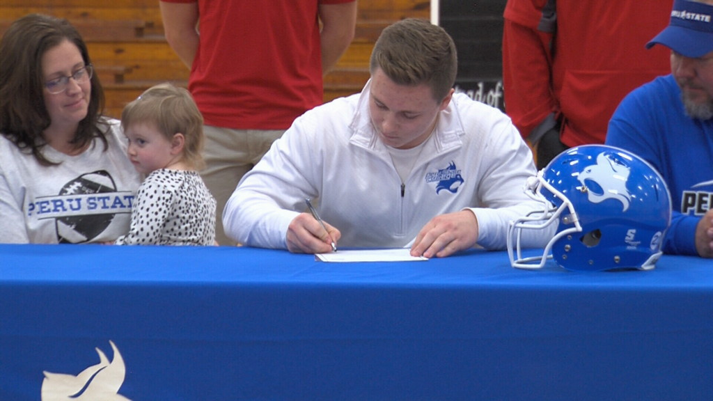 Sheldon's Lamb signs Letter of Intent