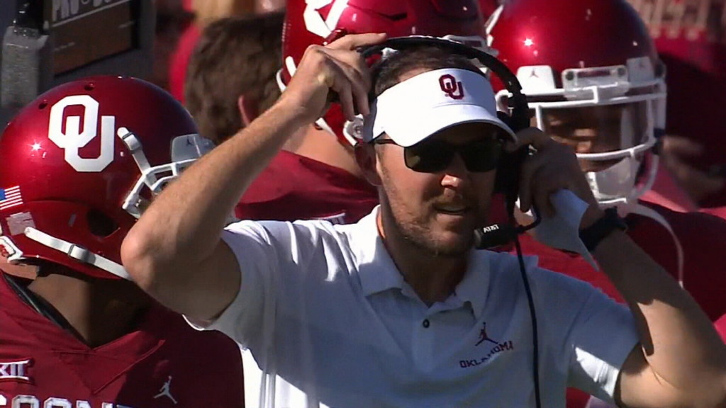 Riley agrees to extension with Oklahoma