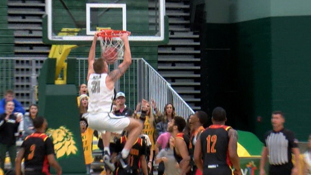 #15 Missouri Southern hammers Pitt State in league opener