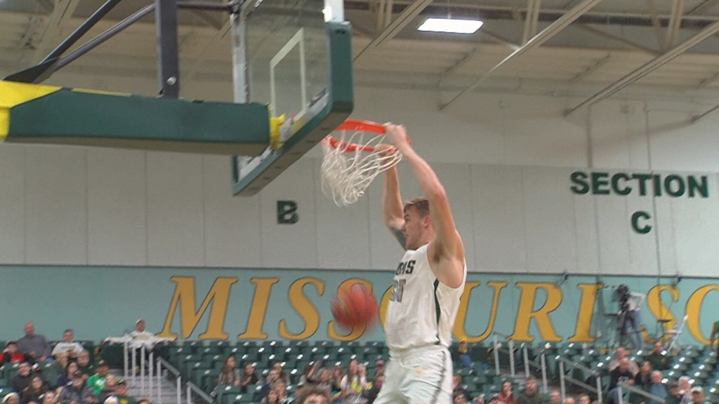 Martin, Tharp lead #15 MSSU to win over Washburn