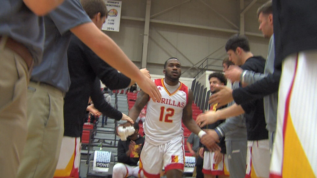 Washburn uses big 2nd half to get by Pitt State