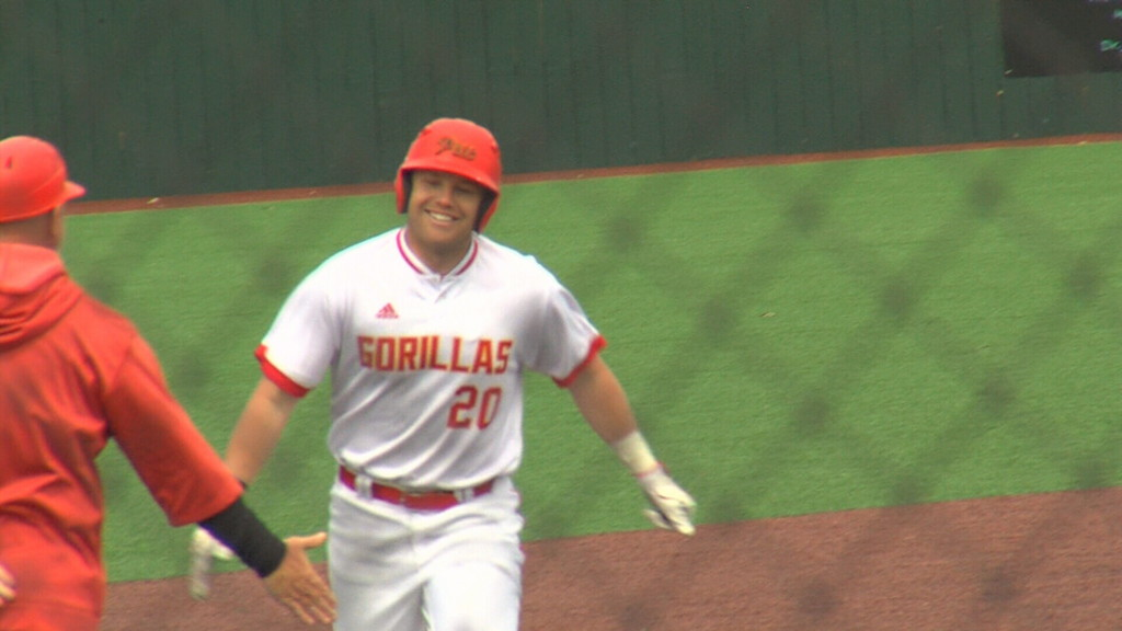 Oliver's 3-run homer gets Pitt State by Central Missouri