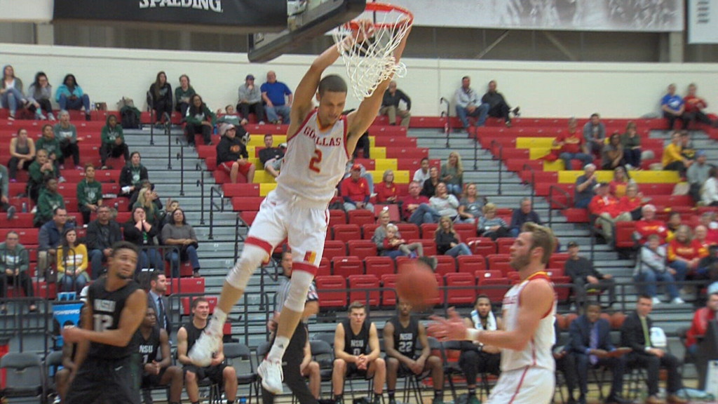 Pitt State wins 6th straight, beating NSU in MIAA opener