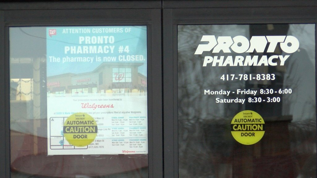 Image of closed sign on Pronto Pharmacy
