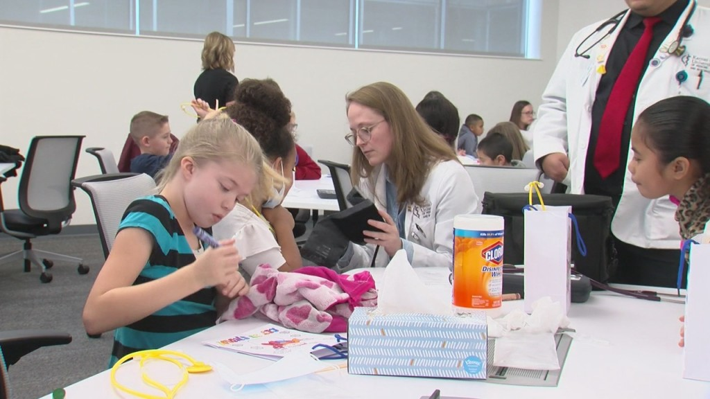 students learning about medicine