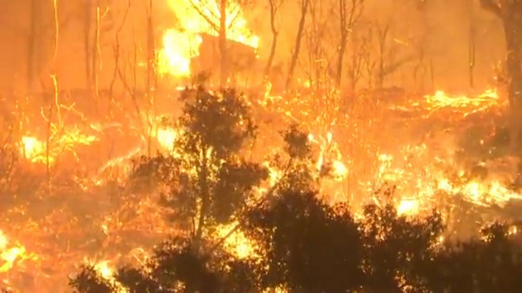 Australian volunteer firefighter charged for allegedly starting fires