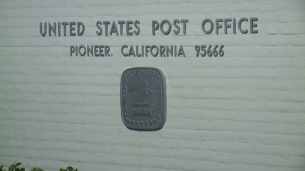297 Amazon packages stolen from California post office