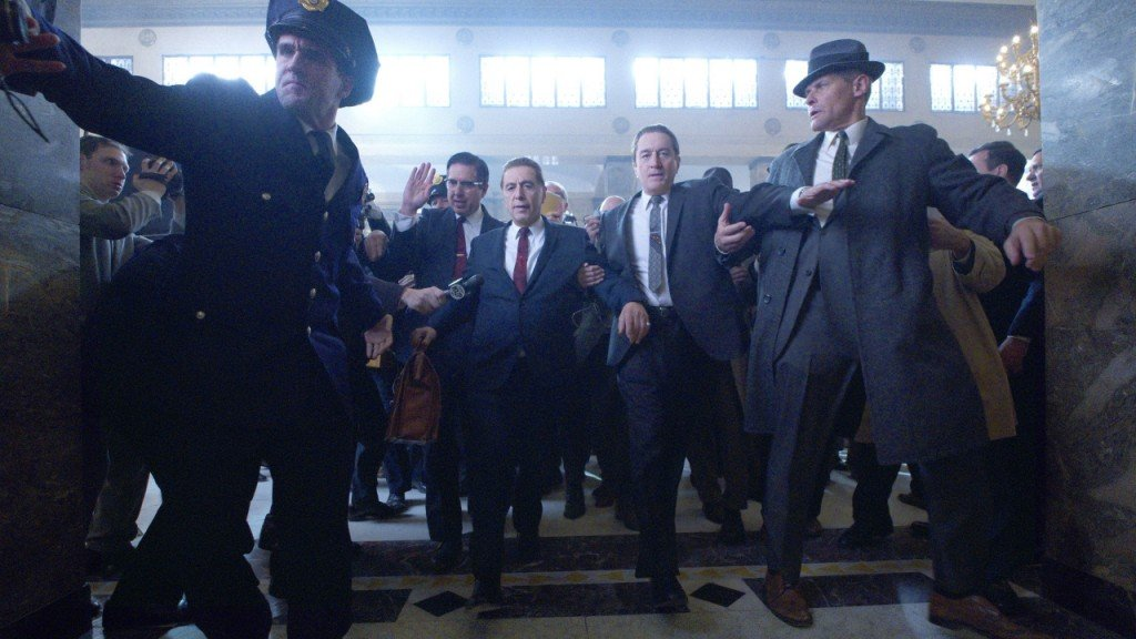 'The Irishman' official trailer is mobbed up
