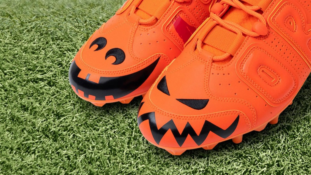 Odell Beckham Jr. faces Patriots in spooky Halloween cleats