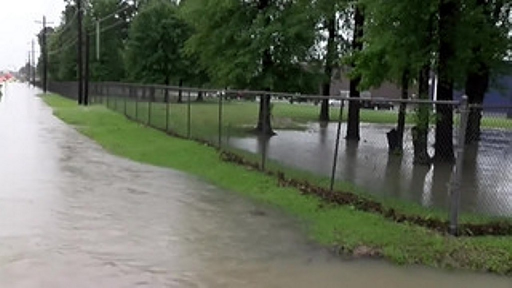 Hundreds of students stranded at flooded Texas school