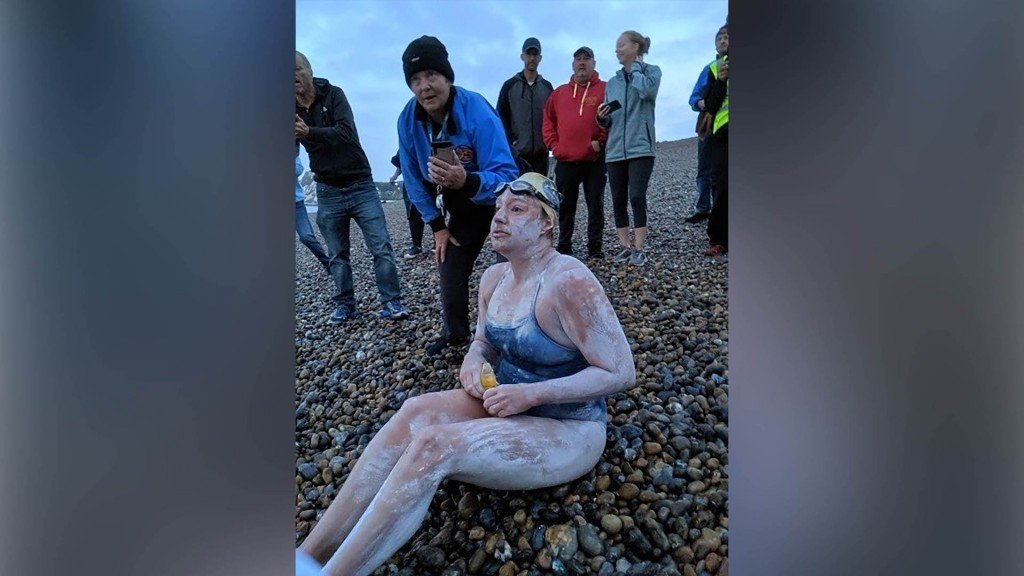 Cancer survivor first person to swim English Channel 4 times non-stop