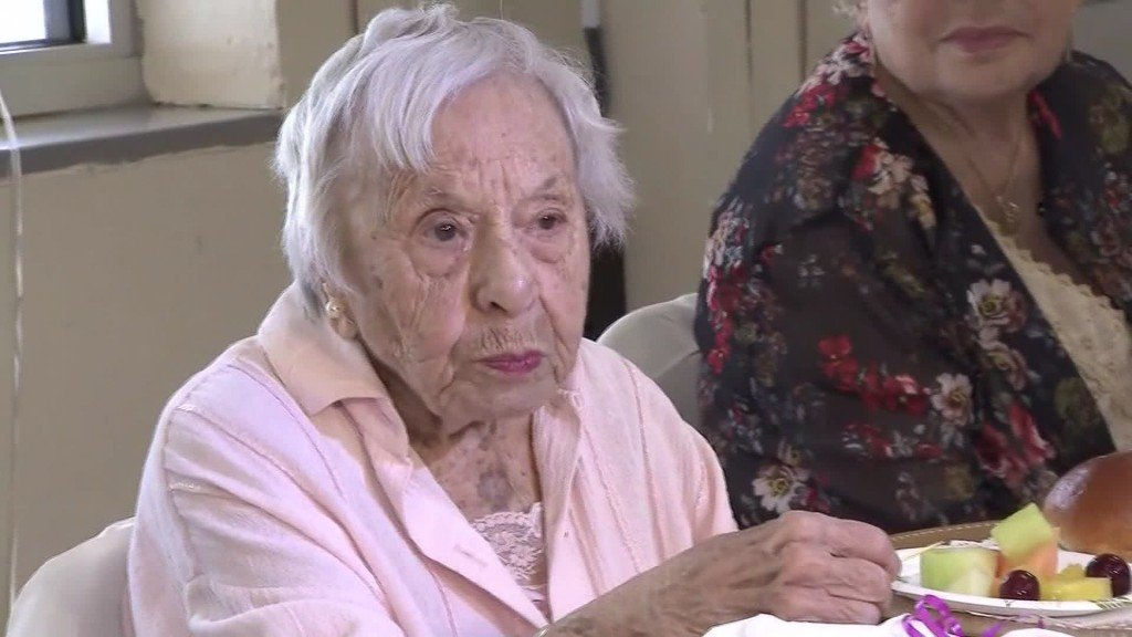Woman turns 107, shares secret to longevity: 'I never got married'