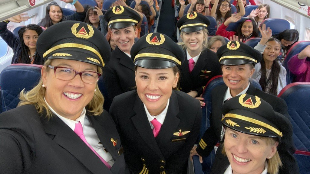 All-female crew flies girls to NASA to learn about aviation careers