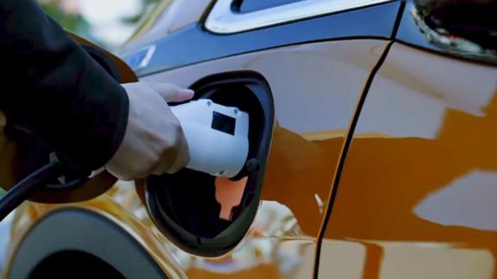 US has its first fully electric gas station