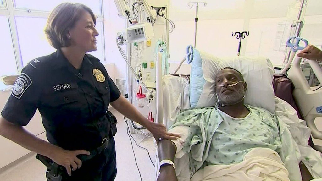 Wounded El Paso hero reunited with CBP agent who saved his life