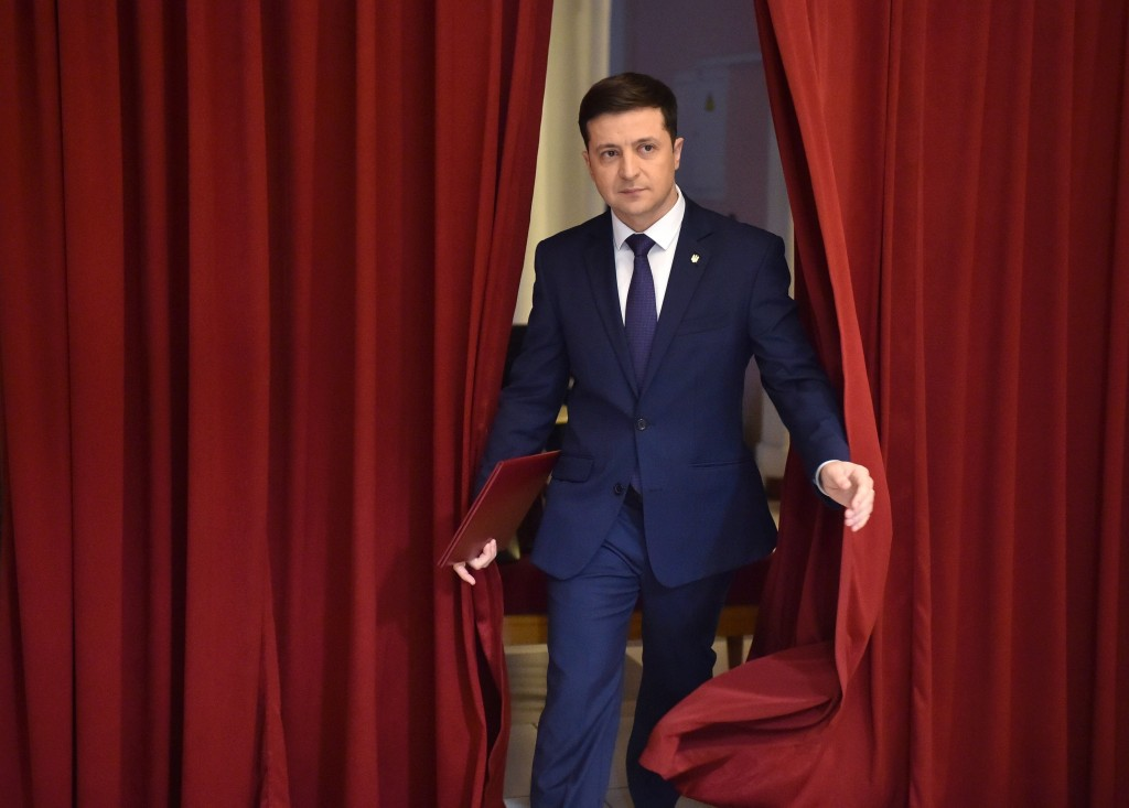 Comedian on track to win Ukraine presidential elections