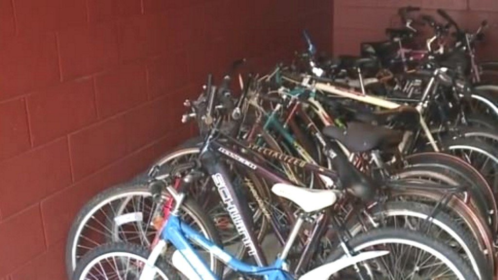 Jail inmates fix up bikes donated to children