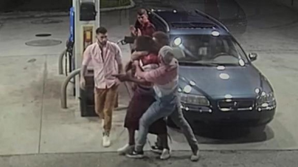 Florida spring breakers fight off would-be robbers