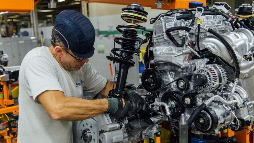Fiat Chrysler labor talks with UAW could prove difficult
