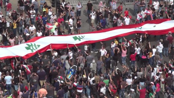 Thousands demonstrate in Lebanon despite crackdown on protesters