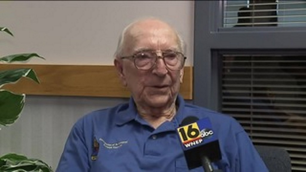 WWII veteran gets high school diploma