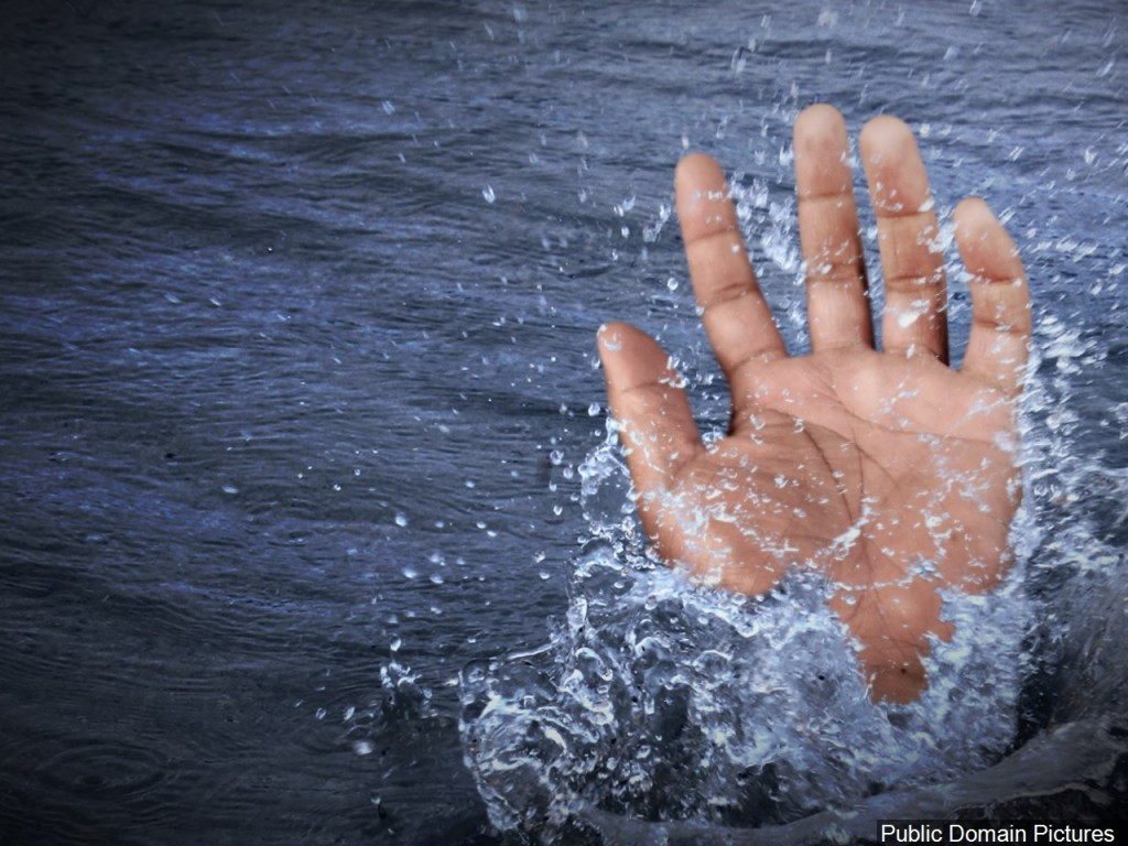 teens save man drowning