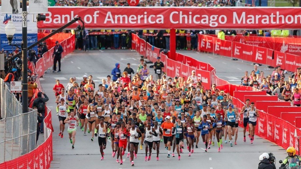 Kenya runner destroys women's world record at Chicago Marathon