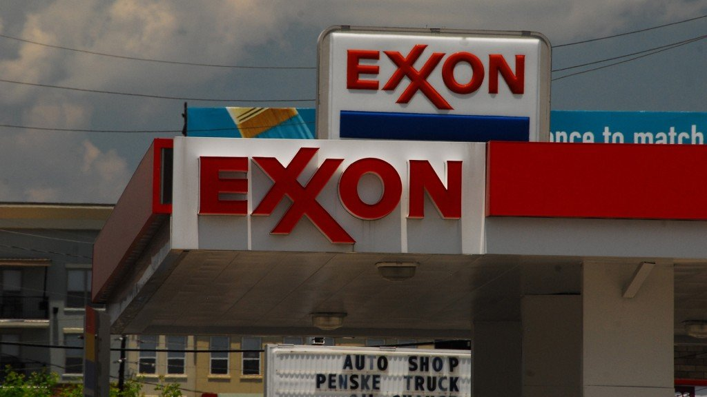 Court clears ExxonMobil in climate change case