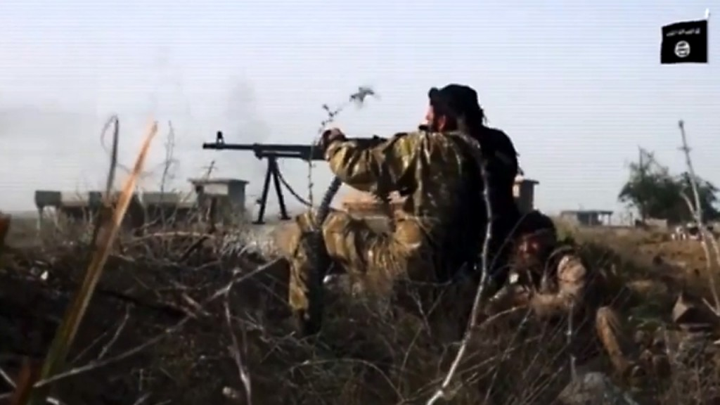 Thousands of ISIS troops surrender in Syria