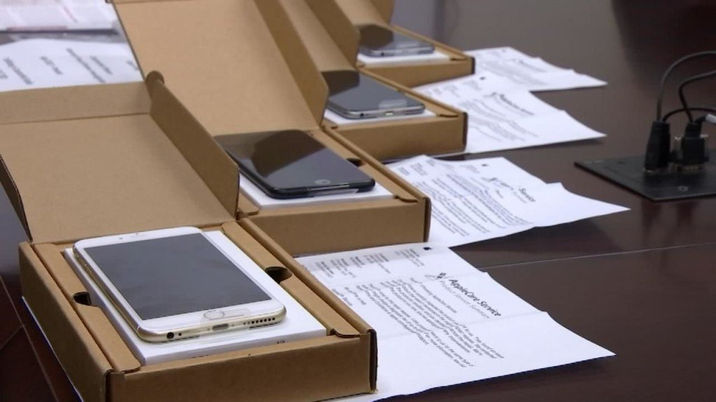 Customs agents crack down on fake goods